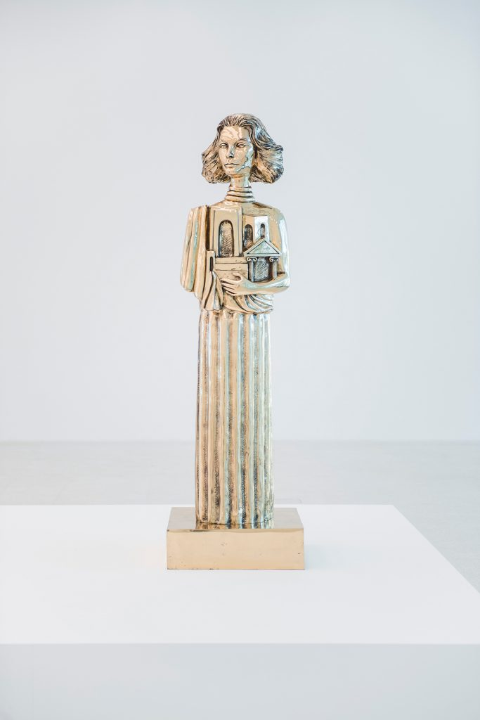 Installation view, Museion, 2016. Foto: Luca Meneghel. Im VG / In primo piano / Front: Portrait of Sophia loren as the Muse of Antiquity (after Giorgio De Chirico), 2011. Courtesy of the artist and Gagosian Gallery, Roma.